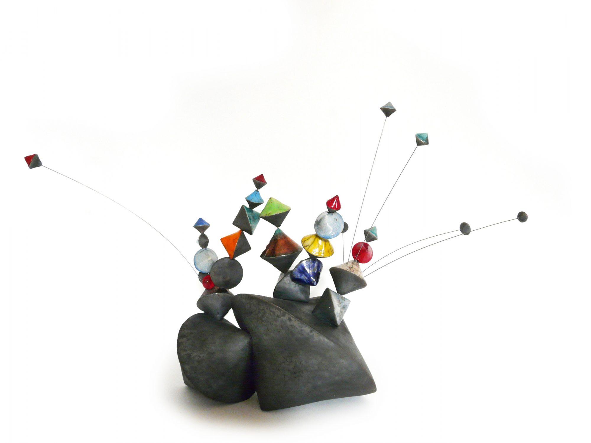 Sérendipité N°2 - Grès - Raku - Cordes à piano - Sculptures céramique de Florence Lemiegre