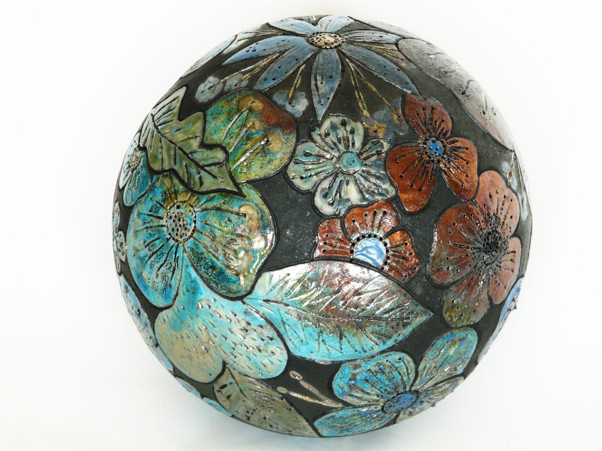 Moon de printemps - ø : 24 cm - Grès - Raku - Gravure - Oxydes - Sculptures céramique de Florence Lemiegre