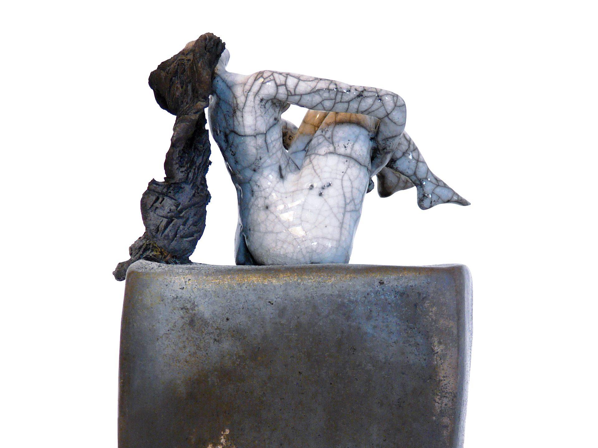 La je bascule - Grès - Raku - Sculptures céramique de Florence Lemiegre